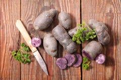 rå red för potatis arkivbilder