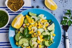 rå salladgrönsaker Arkivbild