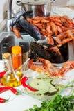 Rå skaldjur och kryddor Fotografering för Bildbyråer