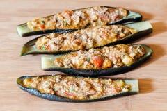 Rå välfylld aubergine Arkivfoto