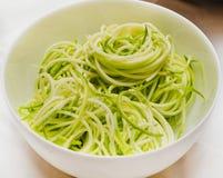 Rå zucchinispagetti Fotografering för Bildbyråer