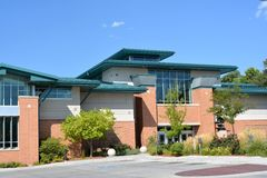 Rådet bluffar det Iowa offentliga biblioteket Arkivfoton