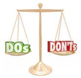 Rådgivning för guld- skala för DOS- och Donts ord bra dålig stock illustrationer