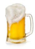 Råna av öl med skum arkivfoton
