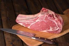 Rått åldrigt gräs Fed Prime Rib Meat royaltyfri fotografi