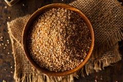 Rått organiskt helt sprucket vete för korn royaltyfri bild