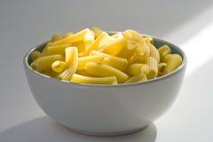 rått uncooked för ny italiensk pasta Arkivbild