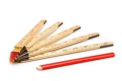 Règle de pliage et un crayon image libre de droits