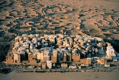 Règlement dans le désert photo stock
