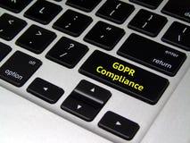 Règlement général GDPR - bouton de protection des données d'ordinateur portable images libres de droits