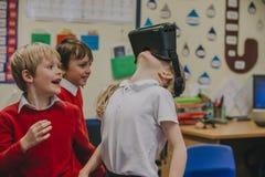 Réalité virtuelle dans la salle de classe Photos libres de droits