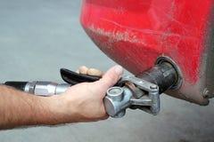 Réapprovisionnement en combustible avec le gaz naturel Photographie stock libre de droits
