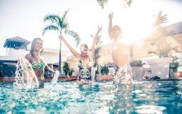 Réception au bord de la piscine de natation Photographie stock libre de droits