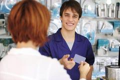 Réception de commis de ventes par la carte de crédit photos libres de droits