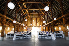 Réception de mariage à la grange Photos libres de droits