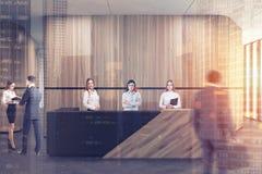 Réception en bois et noire dans le bureau en bois modifié la tonalité Image libre de droits