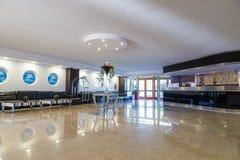Réception et lobby de station de vacances européenne cinq étoiles Grèce, Rhodes Photographie stock