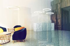 Réception panoramique de salle d'attente de bureau modifiée la tonalité Photo libre de droits