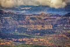 Récif et Henry Mountains capitaux HDR Photographie stock libre de droits