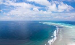 Récifs du sud d'atoll d'Ari. MALDVES Images libres de droits