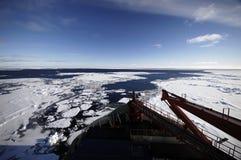 Récipient de recherches en Antarctique Photographie stock