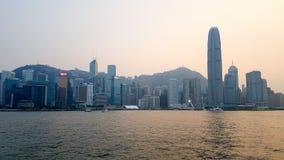 récipient du sud entrant de transport de mer moyenne de Hong Kong de port de ville de porcelaine d'Aberdeen Photos libres de droits