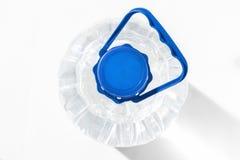 Récipient en plastique avec de l'eau Photographie stock libre de droits