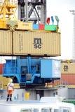 Récipients dans le port d'Anvers photographie stock libre de droits
