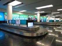 Réclamation de bagage d'aéroport de Wien Schwechat Images libres de droits