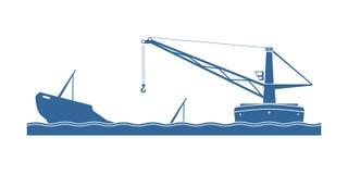Récupération d'un bateau submergé Photos stock