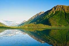 Réflexion 2 de lac mountain Photographie stock