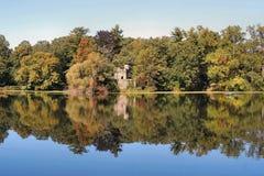 Réflexion d'automne photo stock