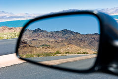 Réflexion d'horizontal de montagne Photos stock