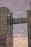 Réflexion d'immeuble de bureaux Photo libre de droits