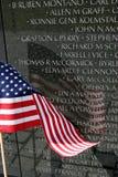 Réflexion d'indicateur américain sur le mur du Vietnam Image libre de droits