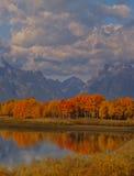 réflexion d'oxbow de montagnes photos stock