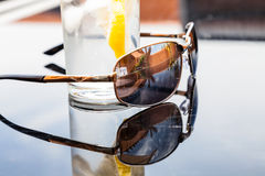 Réflexion dans des lunettes de soleil Photo stock