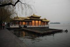 Réflexion dans le lac XiHu photo stock