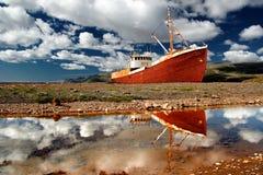 Réflexion de bateau Image libre de droits
