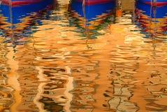 Réflexion de bateau Photos stock