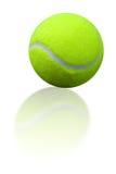 Réflexion de bille de tennis Photographie stock libre de droits