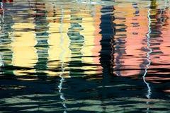 Réflexion de buindings de Gênes Photo libre de droits