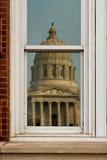 Réflexion de capitol d'état du Missouri images libres de droits
