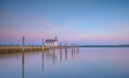 Réflexion de coucher du soleil d'Aland dans l'eau Images libres de droits