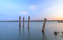 Réflexion de coucher du soleil d'Aland dans l'eau Photographie stock