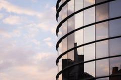 Réflexion de fenêtre au coucher du soleil Photographie stock