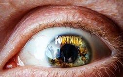 Réflexion de Fortnite de jeu sur l'oeil photographie stock libre de droits