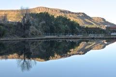 Réflexion de la montagne du nord de Tableau Photos libres de droits