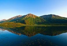 Réflexion de lac mountain Photographie stock libre de droits