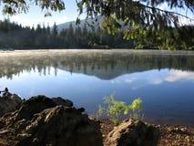 Réflexion de lac mountain Photographie stock